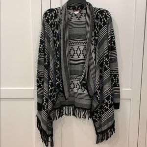 Black and White Aztec Patterned Cardigan